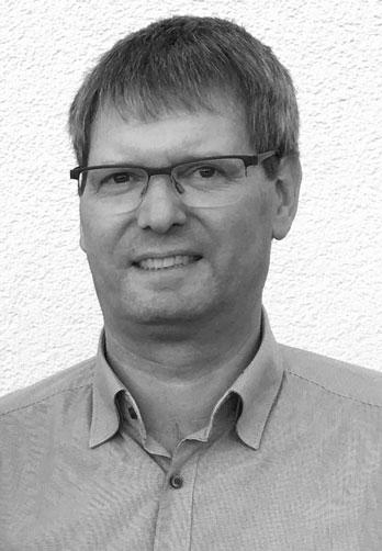 Dipl.-Ing. (TH) Frank Blasek - Tätigkeitsschwerpunkte  Arbeitsbühnen und hängende Personenaufnahmemittel  Fassadenbefahranlagen  Personen- und Lasten-Aufzüge  Treppenlifte
