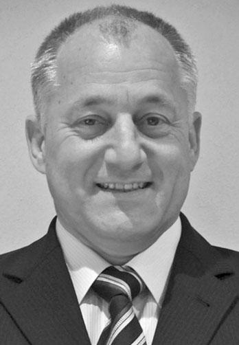 Dipl.-Ing. Joachim Fischer - Tätigkeitsschwerpunkte      Beratung zu flugbetrieblichen Belangen     Aufbau und Reorganisation von Flugbetrieben     Betreuung bei Flugängsten     Aktiver Langstreckenpilot     Analyse von Flugunfällen und Zwischenfällen