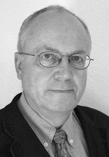 Dipl.-Ing. Martin Will - Tätigkeitsschwerpunkte      Untersuchung von Schienenfahrzeugunfällen     Rekonstruktion von Fahrtverläufen, Sichtverhältnissen, Bremswegen etc.     Einsteigeunfälle bei Eisenbahnen, U-Bahnen, Straßenbahnen     Bewertung von Instandsetzungskosten und Ausfallzeiten der Fahrzeuge     Markt- und Restwertermittlung von Schienenfahrzeugen